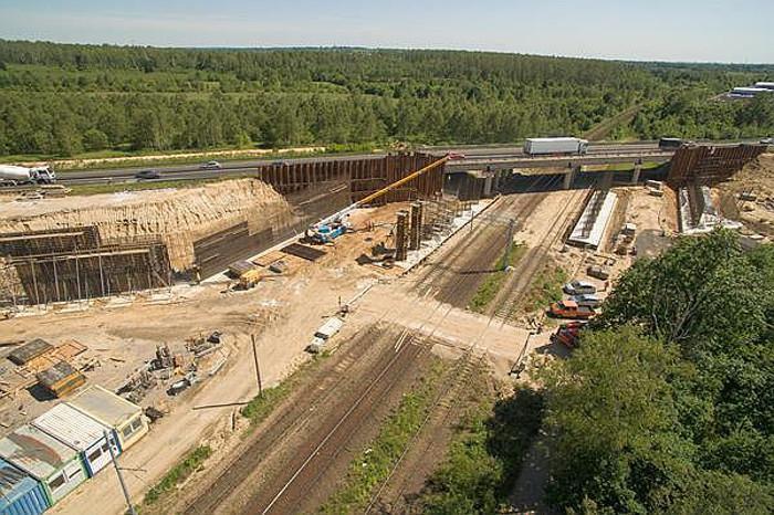 Budowa autostrady A1 - prace drogowe i mostowe