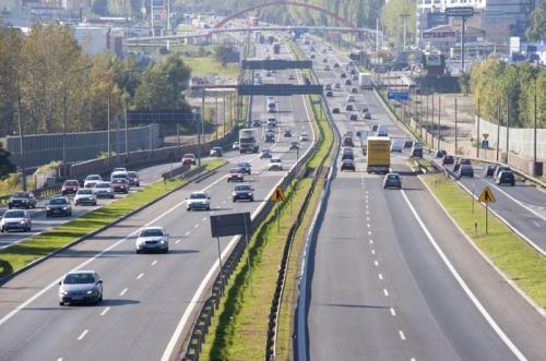 Korki na autostradzie A4. Wymieniają nawierzchnię