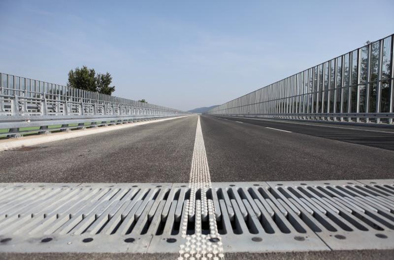 Utrudnienia i korki na A1 w okolicy Łodzi - naprawiają autostradę