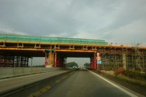 Jedną jezdnią na autostradzie A4 Złotoryja – Legnica