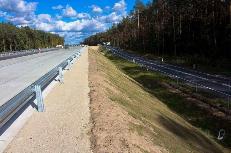 Betonowa droga ekspresowa S8 Wyszków - Ostrów Maz.