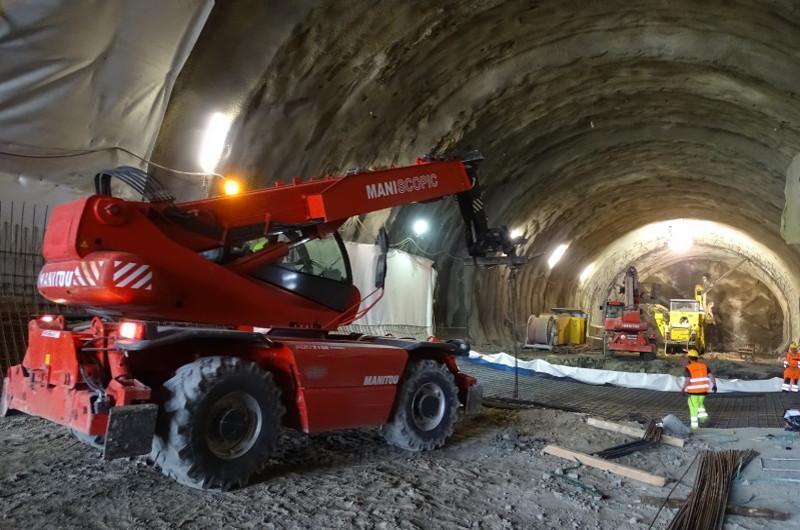 w ciągu budowanej drogi ekspresowej S7 na odcinku Naprawa – Skomielna Biała