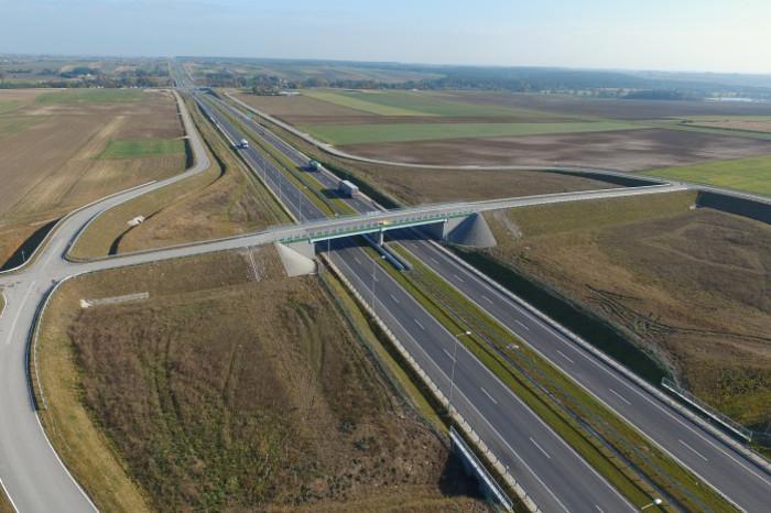 Świętokrzyskie: W 2017 r. przybyło 20 km ekspresowej S7, wyremontowano 66 km dróg