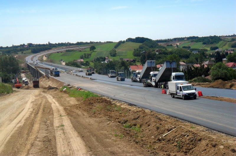 Estakada E1 w ciagu odcinka drogi ekspresowej S19 Świlcza - Rzeszów