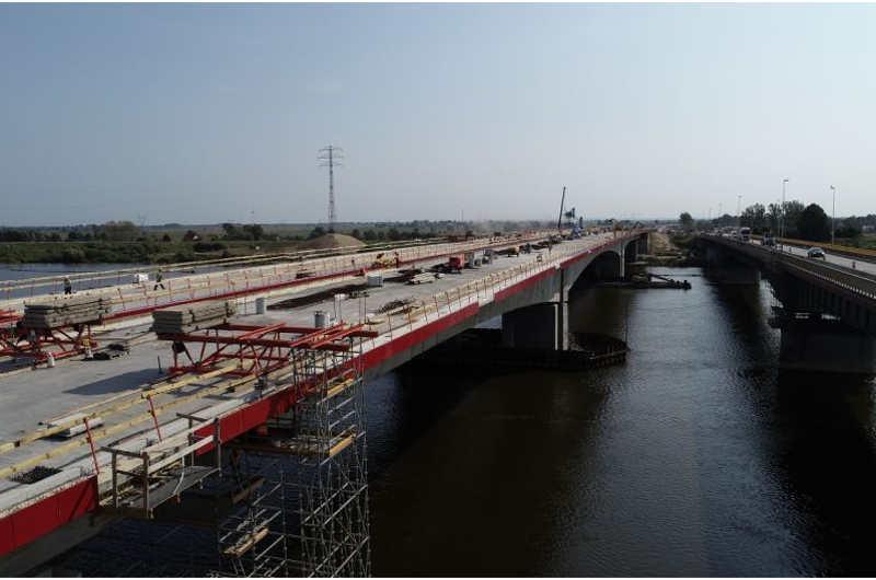 Most w Jazowej w ciągu drogi ekspresowej S7 Gdańsk - Elbląg