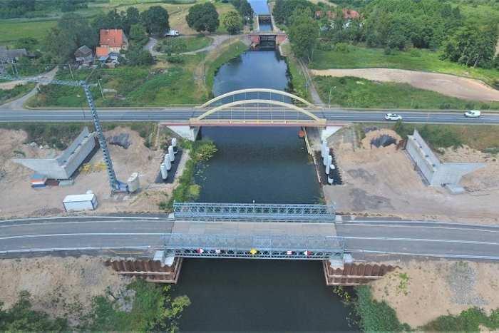 Tymczasowy obiekt na Kanale Bydgoskim powstał w związku z budową północno-zachodniej obwodnicy Bydgoszczy w ciągu drogi S5