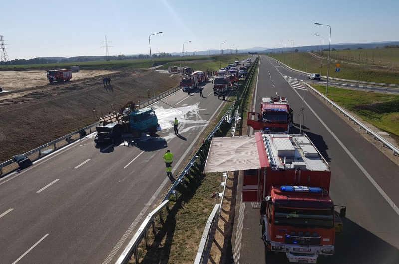Ćwiczenia ratownicze przed otwarciem drogi ekspresowej S3 Legnica - Bolków