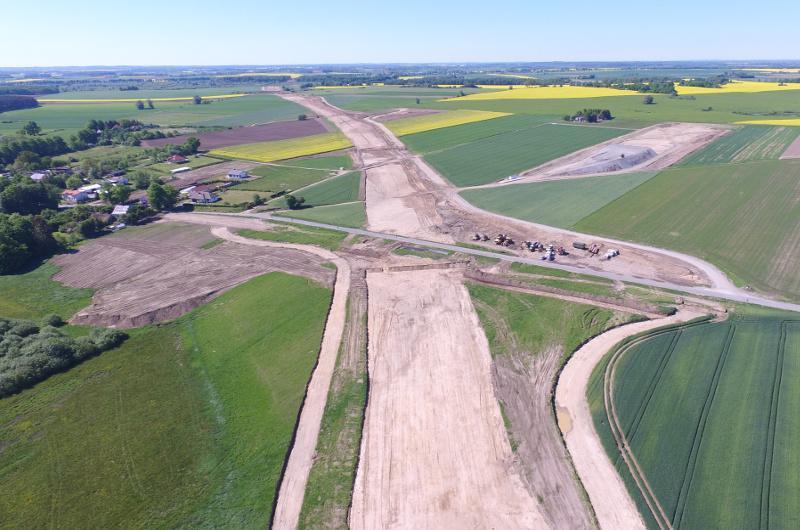 Powstaje 120 km dwujezdniowej drogi ekspresowej S6 - zdjęcia lotnicze