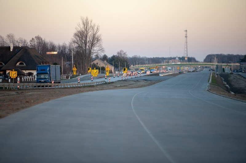 Dobiega końca budowa drogi ekspresowej S8 Radziejowice - Paszków pod Warszawą