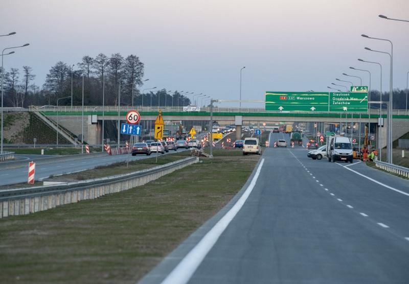 Budowa drogi ekspresowej S8 pod Warszawą zbliża się do końca