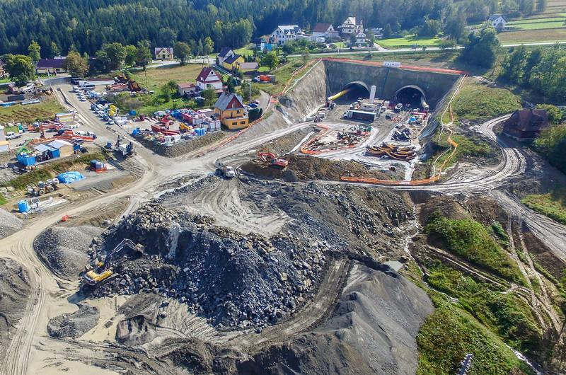 Drążenie tunelu na Zakopiance w ciągu drogi S7