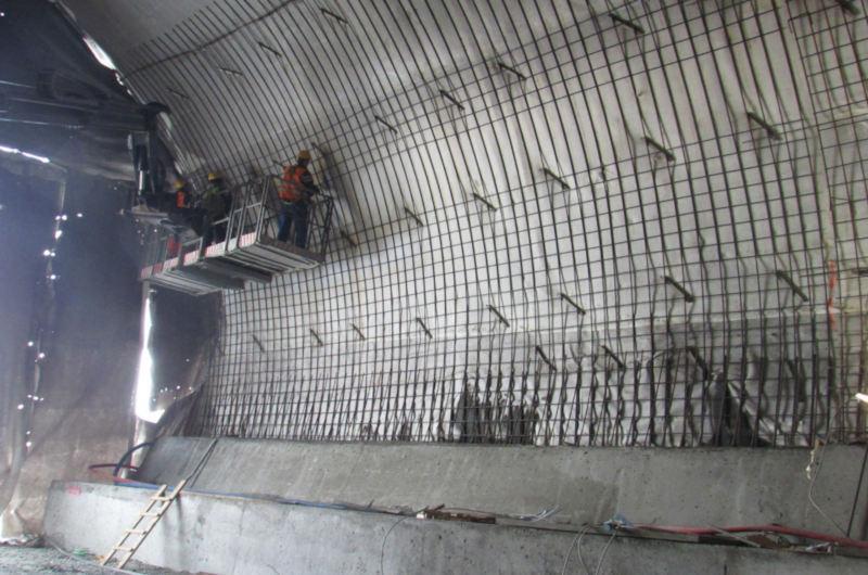 Stalowa obudowa tunelu na Zakopiance