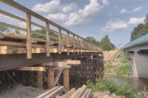 DK28: Jeździmy tymczasowym mostem na Ropie w Klęczanach