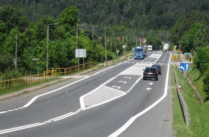 Droga krajowa DK74 w Miedzianej Górze w woj. świętokrzyskim