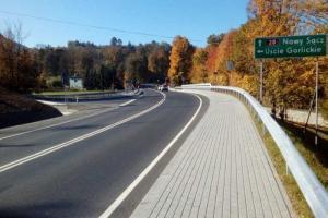 Małopolskie: Kierowcy korzystają z nowego mostu na DK28 w Szymbarku