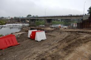 Trwa budowa mostu przez Wartę w Międzychodzie