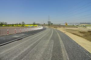 Nowy odcinek DW432 koło Wrześni ominie fabrykę VW