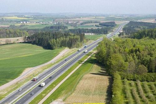 W razie wakacyjnych korków na autostradzie A1 bramki będą otwierane