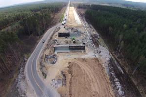 Budowa drogi ekspresowej S7 Radom - granica woj. mazowieckiego z woj. świętokrzyskim (kwiecień 2015r.)
