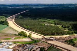 Powstaje droga ekspresowa S5 - budowa odcinka Gniezno - Mielno (czerwiec 2015 r.)