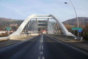 Nowy most łukowy na drodze krajowej nr 28