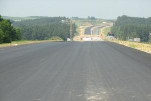 2020 rok: 2 tys. km autostrad i 5,3 tys km dróg ekspresowych