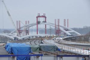 Most w Toruniu na DK1: montaż przęseł rozpoczęty!