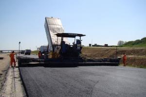 Nowe maszyny na budowie autostrady A1