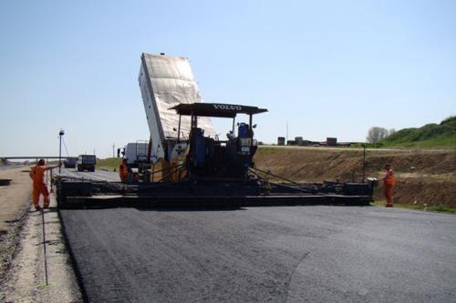 Autostrada A1 w  budowie, okoliczne wojewódzkie też