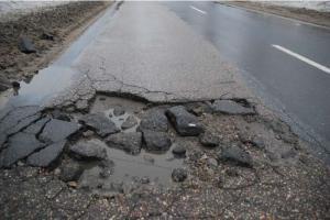 Po zimie rozpoczynają się naprawy uszkodzonych dróg