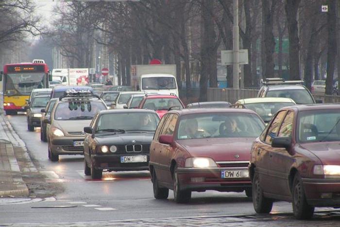 Pracodawcy RP: GDDKiA rezygnuje z pieniędzy na nowe autostrady