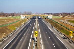 Premier Ewa Kopacz obiecuje 3,9 tys. km nowych autostrad i ekspresówek
