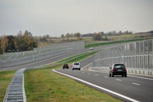 Siedmiu chętnych do budowy drogi S17 Warszawa – obwodnica Kołbieli