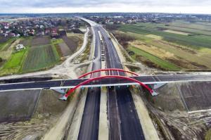 Coraz więcej nawierzchni na autostradzie A4 Rzeszów - Jarosław