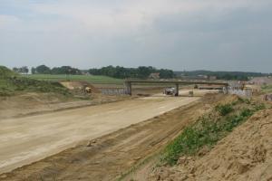 Jest umowa na odcinek drogi S8 z Ostrowi do granicy z woj. podlaskim