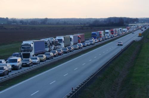 Duży ruch i korki na A4. Po Wielkanocy utrudnienia koło Legnicy