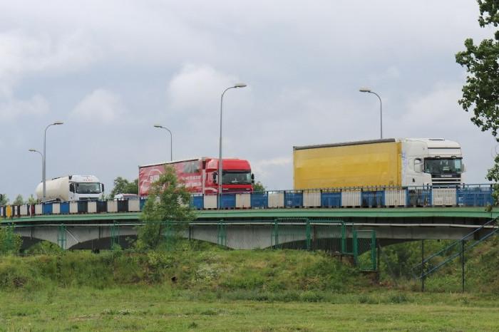 Budowa S61: Obwodnica Łomży z mostem nad Narwią czeka na wykonawcę