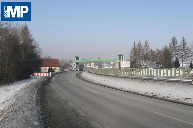 Kładka dla pieszych nad Zakopianką w ciągu DK7
