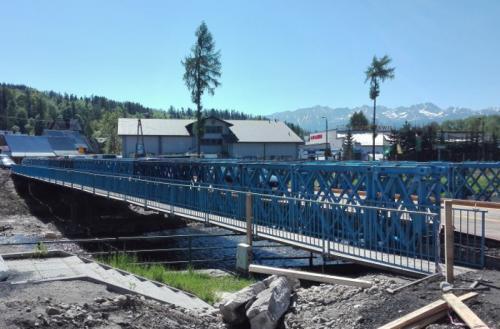 Zakopianka: Zamknięty most w Białym Dunajcu, ruch po tymczasowym
