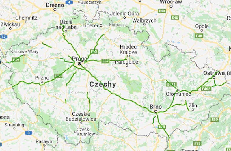 Mapę samochodową Czech tworzy sieć dróg szybkiego ruchu - autostrad i tzw. dróg dla pojazdów samochodowych (po czesku Silnice pro motorová vozidla).