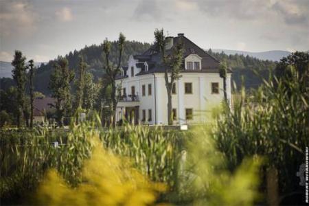Pałac Na Wodzie Staniszów - Jelenia Góra
