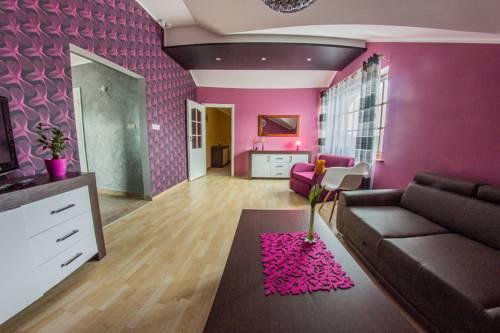 Hotelik pod Zamkiem - Łapalice