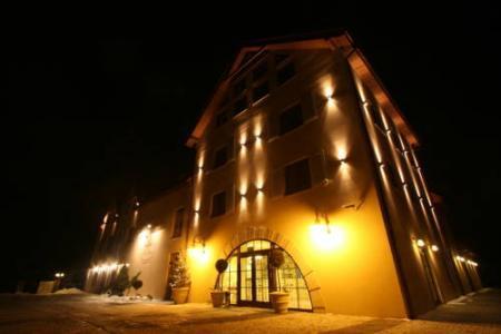 Villa Estera - Hotel & Restauracja - Michałowice