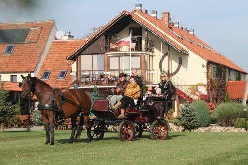 Agritourism Farm Podkowa - Modliszów