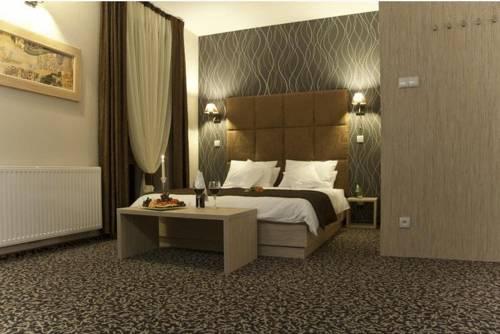 Hotel Vis A Vis - Oleśnica