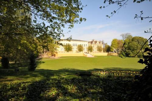 Zespół Pałacowo-Parkowy w Ostromecku - Ostromecko