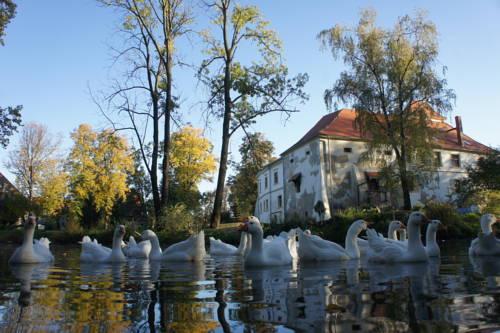 Piotrowice Nyskie Palace - Otmuchów