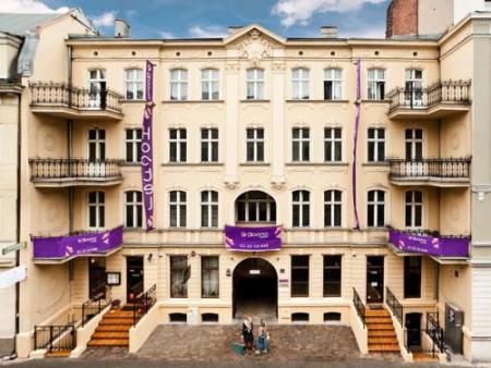 Blooms Inn & Apartments - Poznań