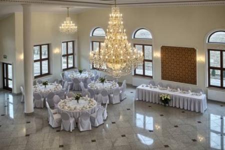 Hotel i Restauracja Różany Dwór - Skrzeszew