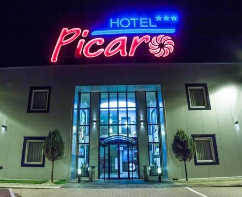 Hotel Picaro Stok - Stok